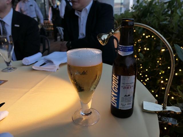 写真:今年発売されたばかりの新しい瓶ビールアサヒ「スーパードライ ザ・クール」