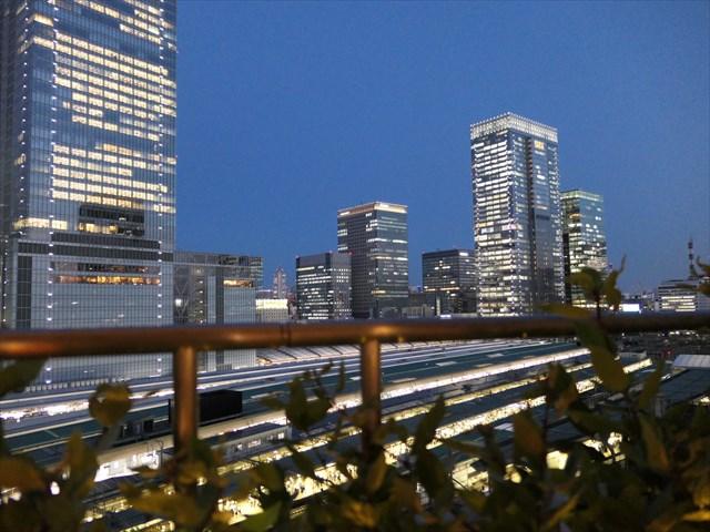 写真:東京駅八重洲口エリアの夜景