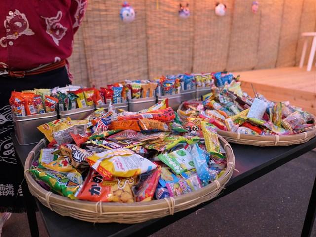 写真:コースの場合は駄菓子食べ放題!