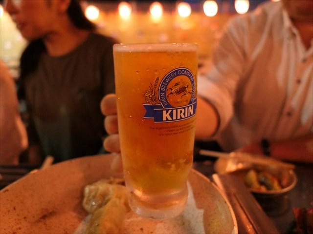 写真:飲兵衛メンバーが揃いすぎ、ビールも「泡なし」指定に
