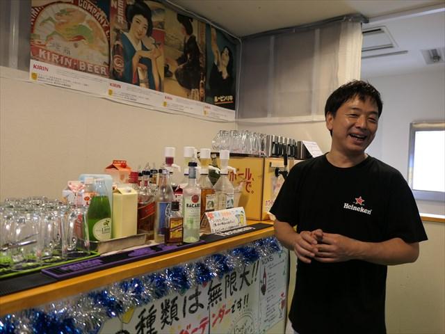 写真:「お酒の種類が少ないビアガーデンを物足りなく感じていた」と語る店長