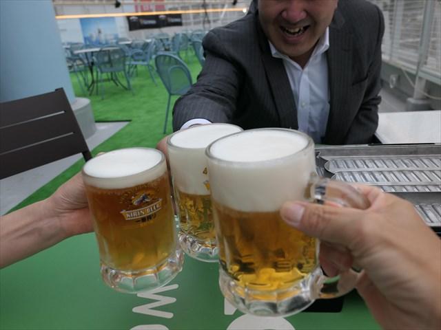 写真:乾杯